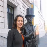 Julia Brookins's profile image