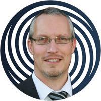 Headshot of Henrik Loeser